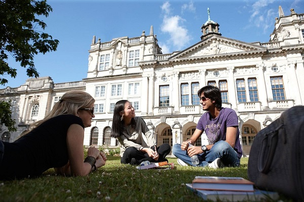 Students outside Cardiff University main building