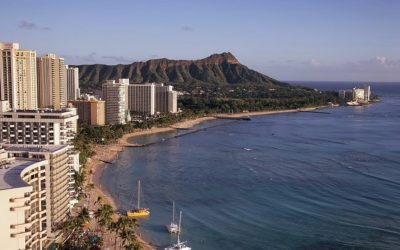 How about studying in beautiful Hawaii?